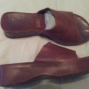 Robert Clergerie brown leather slides